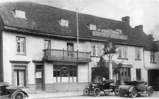 1920 George & Dragon with cars