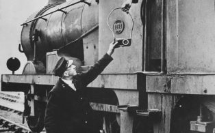 Neilson-built 'C' class crew taking tablet from the signalman