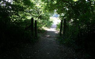 WVR Dunton Green subway gateposts