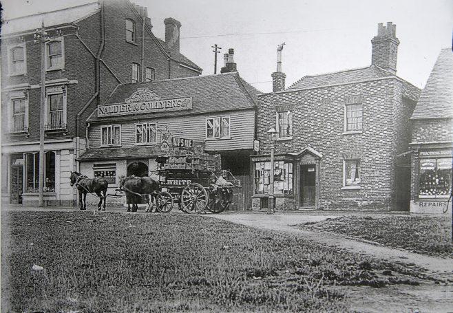Grasshopper & Shops 1902