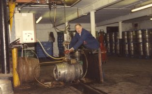 Black Eagle tub beer cellar