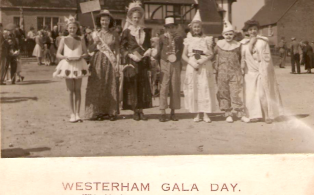 Gala day 1948, theme group on market field