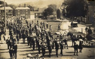 Town Band leads church parade from The Green 1912
