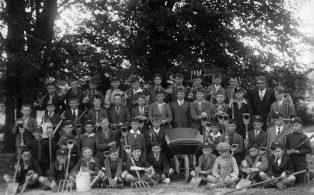 Hosey School evening class - the gardening class 1926