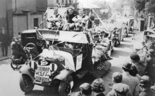 Gala day 1935, the first procession