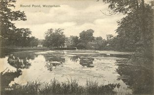 Round Pond from Mill Lane looking West