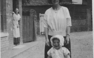 Mill Street lady and toddler
