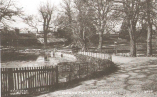 Round Pond Mill Lane looking to  Mill Cottages