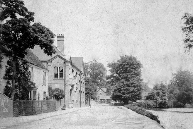 Less than sixty yards further on we can see the grand facade of the Black Eagle Brewery erected in 1899. Between the brewery and the General Wolfe stood 'the other' brewery house, being the home of George Dadds and his wife Jane and called 'Spring Ardens'