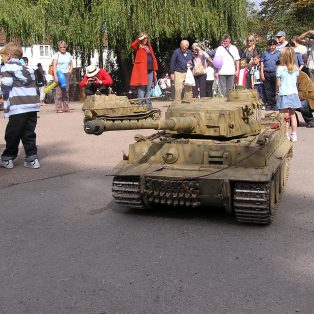 Model tank demo at Long Pond